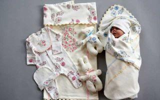 Какие комплекты на выписку новорожденных из роддома существуют