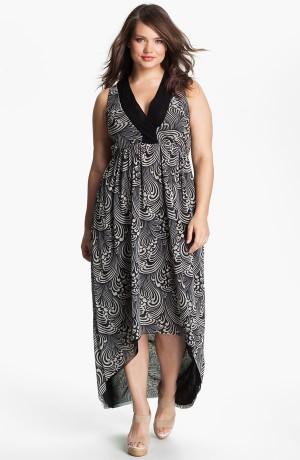 Удлиненное платье с асимметричным подолом
