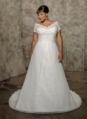 Свадебный наряд для пышной невесты