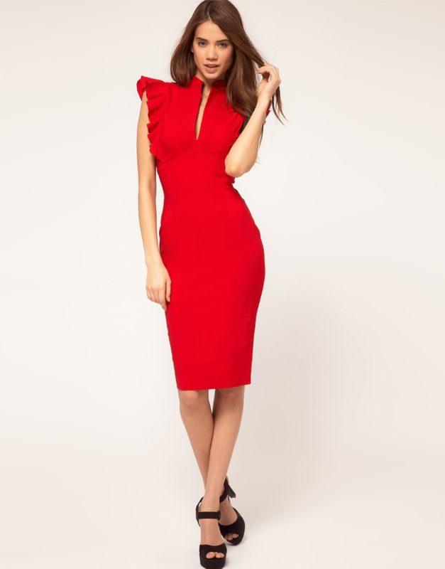 Красное строгое платье длины миди