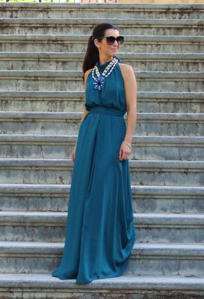 Платье зеленовато-синего оттенка