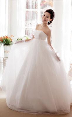 Пышный свадебный наряд для беременных