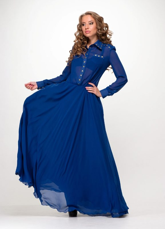 Длинное синее платье прямого покроя