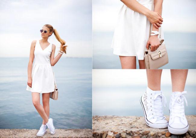Белое платье в сочетании с кедами