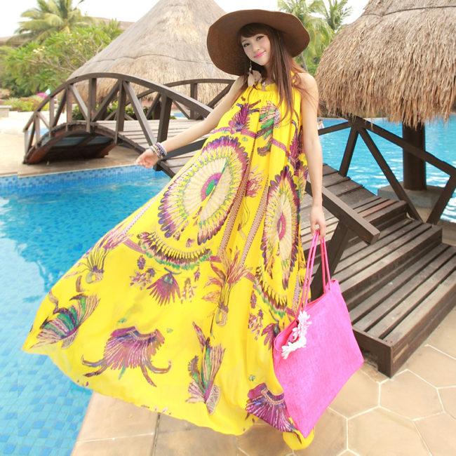 Желтое платьице с узорами