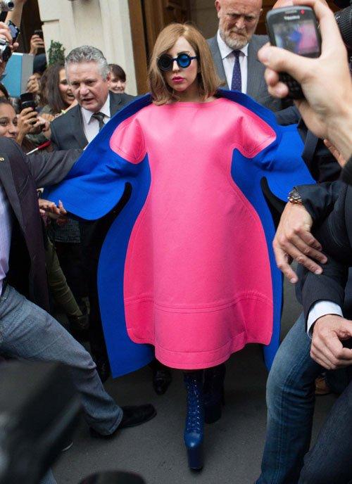 Платье напоминает большую грелку