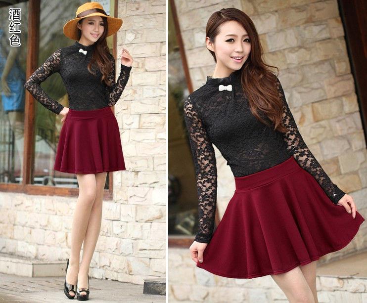 бордовая мини юбка с кружевной блузой